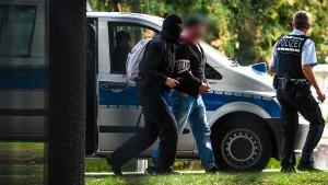 """Prozess gegen """"Revolution Chemnitz"""" unterbrochen"""