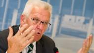 Kleiner Gipfel zur Flüchtlingsunterbringung: der baden-württembergische Ministerpräsident Winfried Kretschmann (Die Grünen) Mitte September in Stuttgart