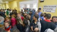 Überbelegt: die Aufnahmeeinrichtung für Asylbegehrende Trier; Asylanträge sollen jetzt priorisiert bearbeitet werden.