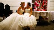 Wer kann in Deutschland eine Ehe schließen? Das verrät das Grundgesetz bisher nicht.