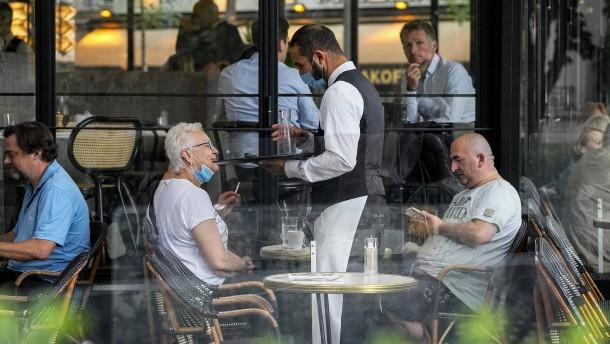 Eintritt in Restaurants und Cafés bald nur noch mit Gesundheitspass