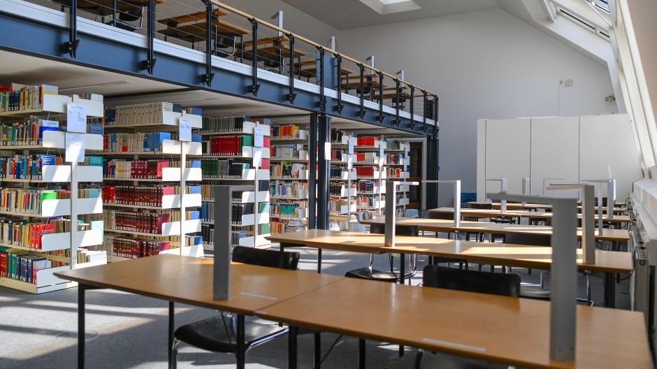 Die leere Bibliothek der Europa-Universität Viadrina in Frankfurt (Oder) im Mai 2020.