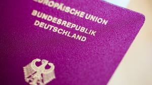 Jeder zweite ausgereiste Dschihadist hat deutschen Pass