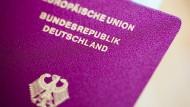 Richtung Irak und Syrien: Jeder zweite ausgereiste Dschihadist hat deutschen Pass