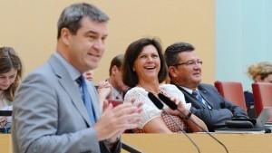 Wüster Streit im bayerischen Landtag