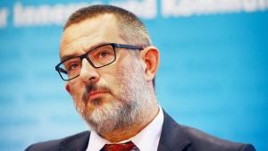 Verfassungsschutzchef zieht Kandidatur für Bundestag zurück