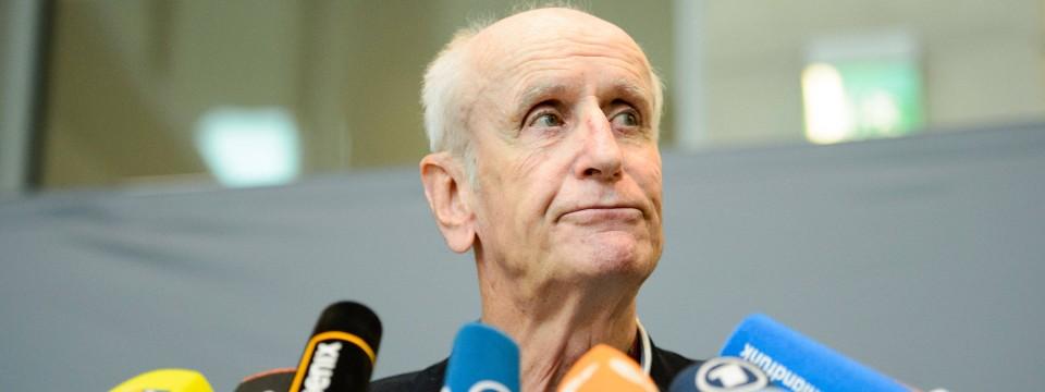 AfD-Politiker Albrecht Glaser schlägt scharfer Widerstand im Bundestag entgegen.