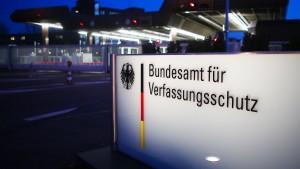 FDP klagt auf Auskunft über Verfassungsschutz