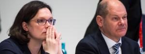 Soll Erneuern: Die neue SPD-Vorsitzende Andrea Nahles mit ihrem Amtsvorgänger Olaf Scholz
