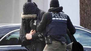 Bundesanwaltschaft klagt zwölf mutmaßliche Rechtsextremisten an