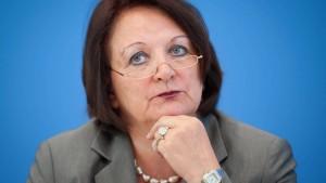 Justizministerin attackiert Friedrichs Reformpläne