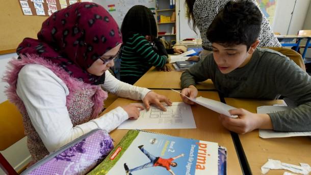 Erfurts Bürgermeister will Schulpflicht für Flüchtlinge abschaffen