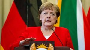 Karlsruhe verhandelt über Neutralitätspflicht der Kanzlerin