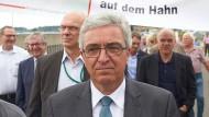 Roger Lewentz auf einer Demonstration für den Erhalt des Flughafens (Archivbild)