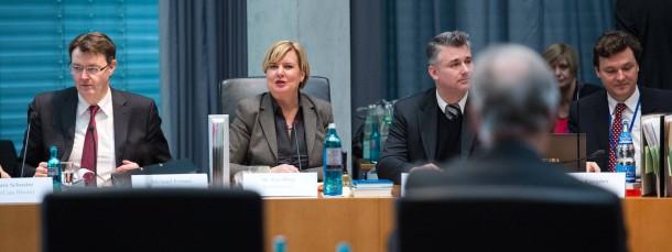 Einen Schritt weiter: Der Edathy-Untersuchungsausschuss des Bundestages.