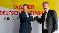 Ministerpräsident Daniel Günther und Kiels Oberbürgermeister Ulf Kämpfer am Dienstag in Kiel