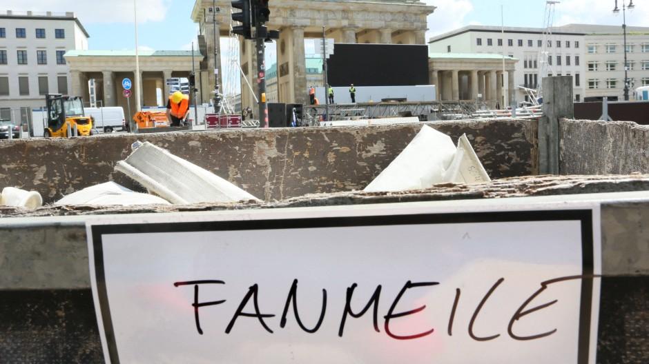Baustelle und potentielles Anschlagsziel: Die Fanmeile in Berlin am Donnerstag
