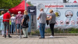 """Bundesregierung lehnt Strafen für """"Impfschwänzer"""" ab"""