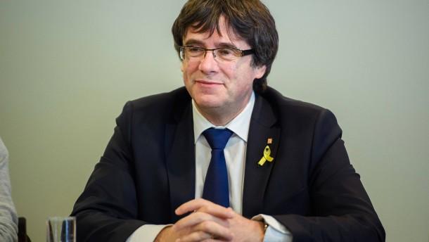 Puigdemont bleibt auf freiem Fuß