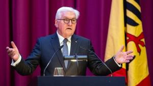 Steinmeier spricht von Alarmzeichen für die Demokratie