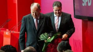 Steinbrück will Gabriel als Kanzlerkandidaten