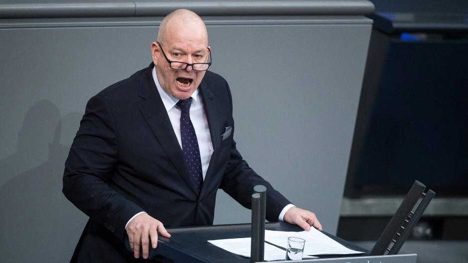 """""""Es gibt ja viele Kulturen auf der Welt. Aber es gibt nur eine Zivilisation. Das ist die europäische. Und wenn wir die behalten wollen müssen wir was machen"""", so der Bundestagsabgeordnete Christian Wirth."""