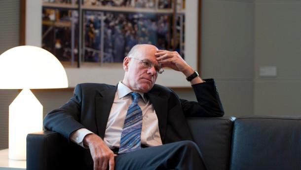 Wissenschaftler verteidigen Bundestagspräsident