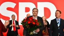 Andreas Bausewein (Mitte) übernimmt den Vorsitz der Thüringer SPD von Christoph Matschie (rechts)