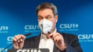 Plant weitere Lockerungen: Markus Söder (CSU), Parteivorsitzender und Ministerpräsident von Bayern, hier am 29. April bei einer Pressekonferenz in der CSU-Parteizentrale in München