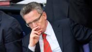Verteidigungsminister Thomas de Maizière am Donnerstag bei der Debatte im Deutschen Bundestag