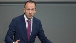 Löbel legt Mandat nieder