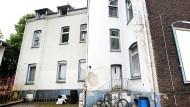 """In diesem Haus in Essen führten die Behörden am vergangenen Freitag ein Razzia gegen """"Al-Salam 313"""" durch."""