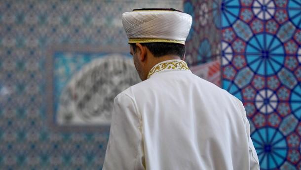 Großteil der Imame in Deutschland kommt weiter aus dem Ausland