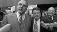 Ganz dicke: Helmut Kohl und Franz Josef Strauß 1976 in Bonn.