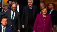 Einigen sich für die Zukunft: Die möglichen baldigen Koalitionäre Schulz, Seehofer und Merkel