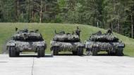 Die Bundeswehr investiert wieder mehr und erhöht ihren Bestand an Leopard-Panzern.