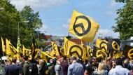 Anhänger der Identitären Bewegung bei einer Kundgebung in Berlin 2017