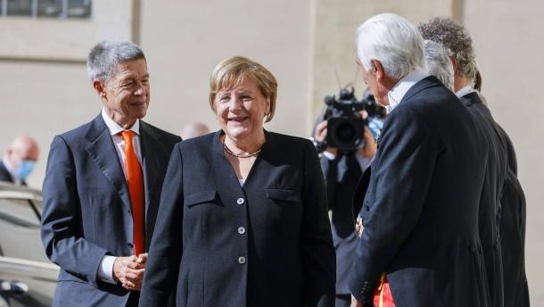 Merkel von Papst Franziskus im Vatikan empfangen