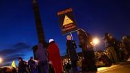 Aktivisten der Extinction Rebellion am Montagmorgen an der Berliner Siegessäule