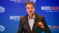 Alexander Mitsch, damaliger Bundesvorsitzender der WerteUnion, spricht im Juni 2019 bei der Jahrestagung der WerteUnion.