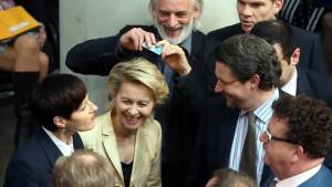 Union und FDP lehnen Frauenquote ab