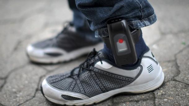 Südwest-CDU fordert elektronische Fußfessel