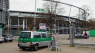 Sehr viel Polizei bei Länderspiel in Hannover