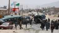 Dutzende Tote bei Taliban-Anschlag auf Polizeibus