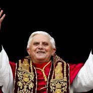 Auf dem Höhepunkt: Joseph Ratzinger als neu gewählter Papst Benedikt XVI. im Jahre 2005.