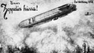 """Eine deutsche Propagandapostkarte zeigt die Bombardierung der Lüttischer Innenstadt durch den Zeppelin """"Cöln""""."""
