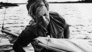 Helmut Schmidt segelt auf dem Brahmsee