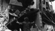 Köln im Mai / Juni 1943: Bergung von letztem Hab und Gut