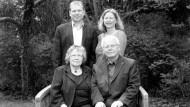 Tiefe Skepsis: Christoph, Sibylle, Annemarie und Berndt Seite  (2015)