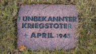 Gedenkstein eines unbekannten Kriegstoten aus dem April 1945
